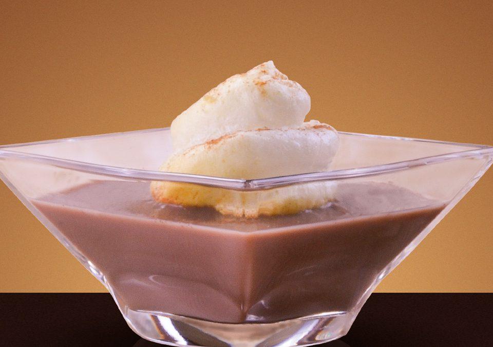 Mar de chocolate con isla de merengue
